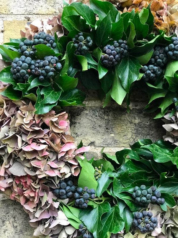 Bespoke-Wreaths-Autumn-BerriesIvy-Hydrangea