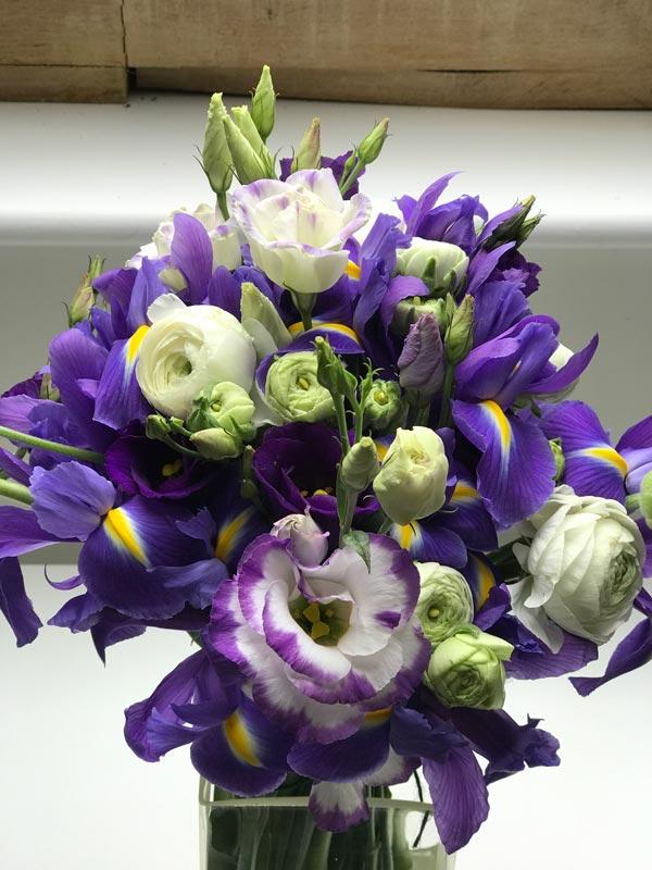 Standard-Bouquet-Purple-Lis