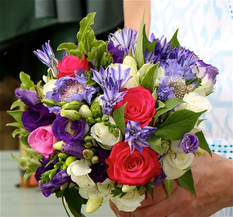 Standard-Bouquet-PurpleLis-CreamFreesia-PinkRose