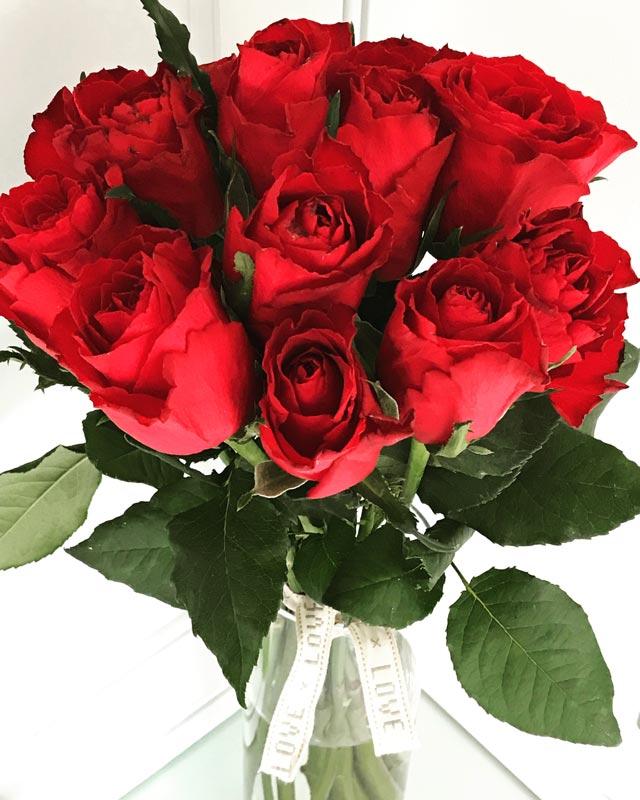 Standard-Bouquet-RedRoses