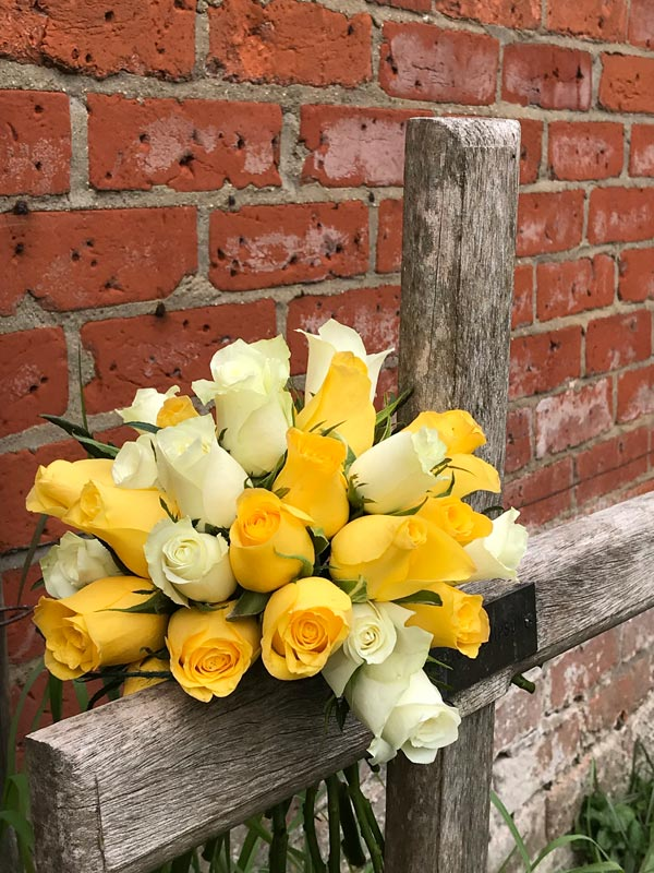 Standard-Bouquet-Yellow-Roses