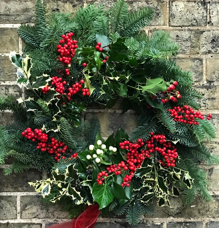 Standard-Wreaths-Christmas-Holly-berries