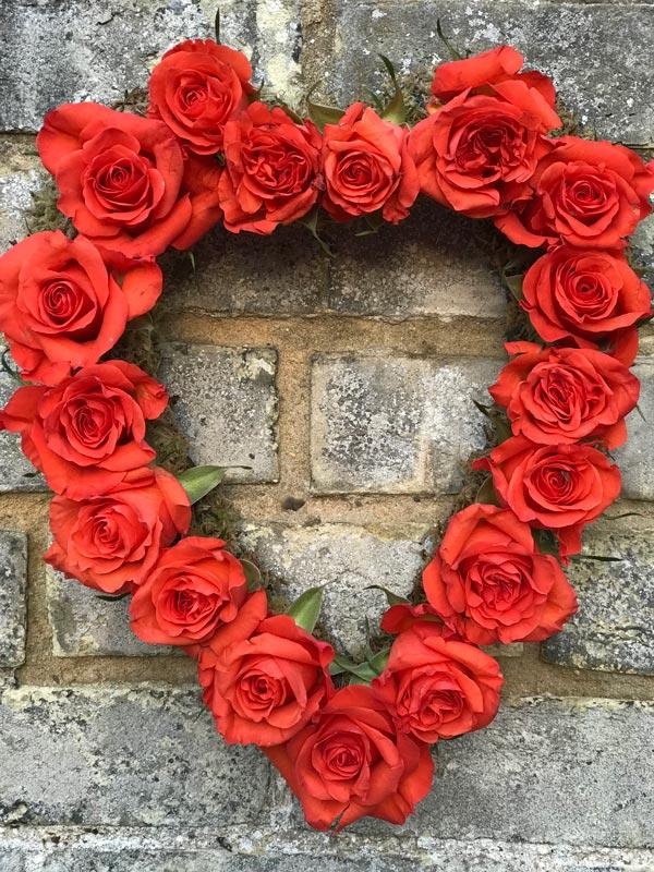 Standard-Wreaths-Rose-Heart