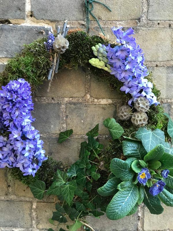 Standard-Wreaths-Spring-Blue