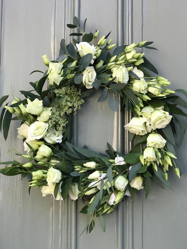 Standard-Wreaths-Summer-Lisianthus-Eucy